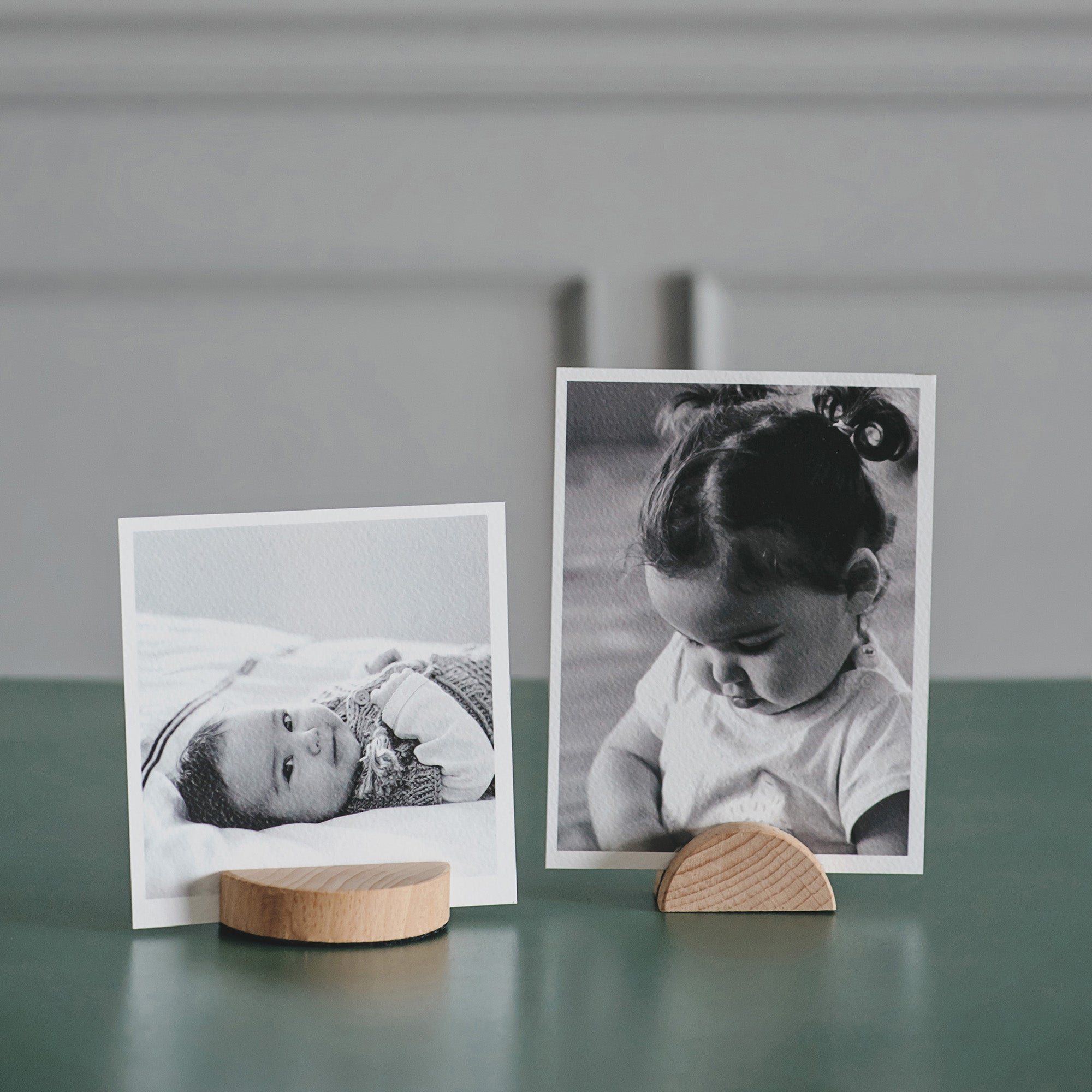 Magnetic Photo Displays