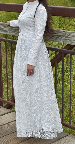 Lace Evening Dress - White