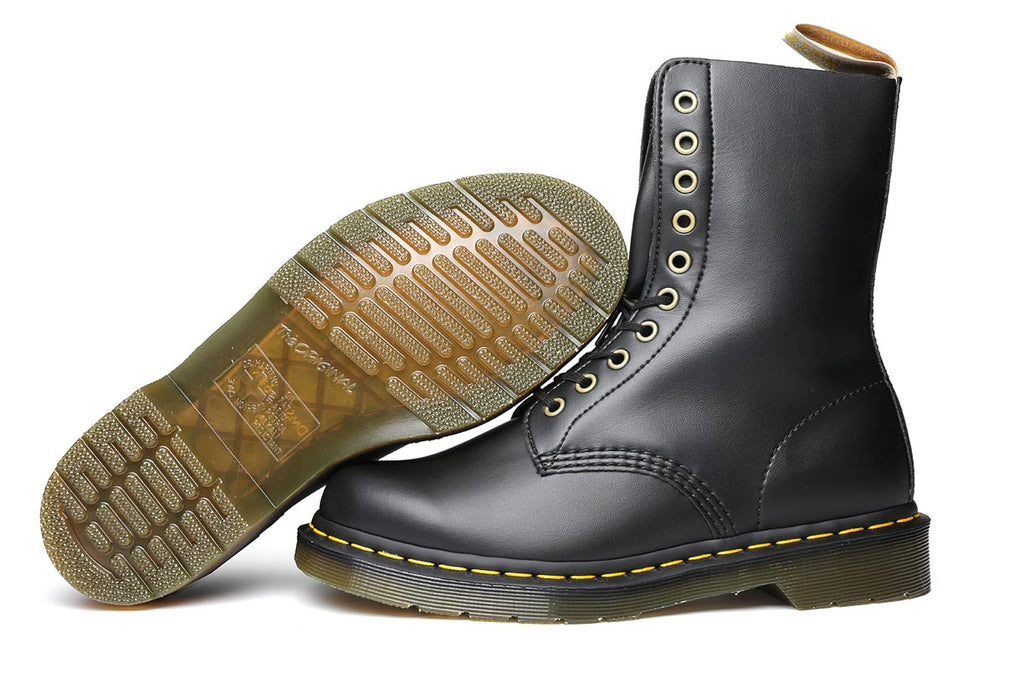 Dr. Martens 1490 Vegan 10 Eye Boots DM23981001