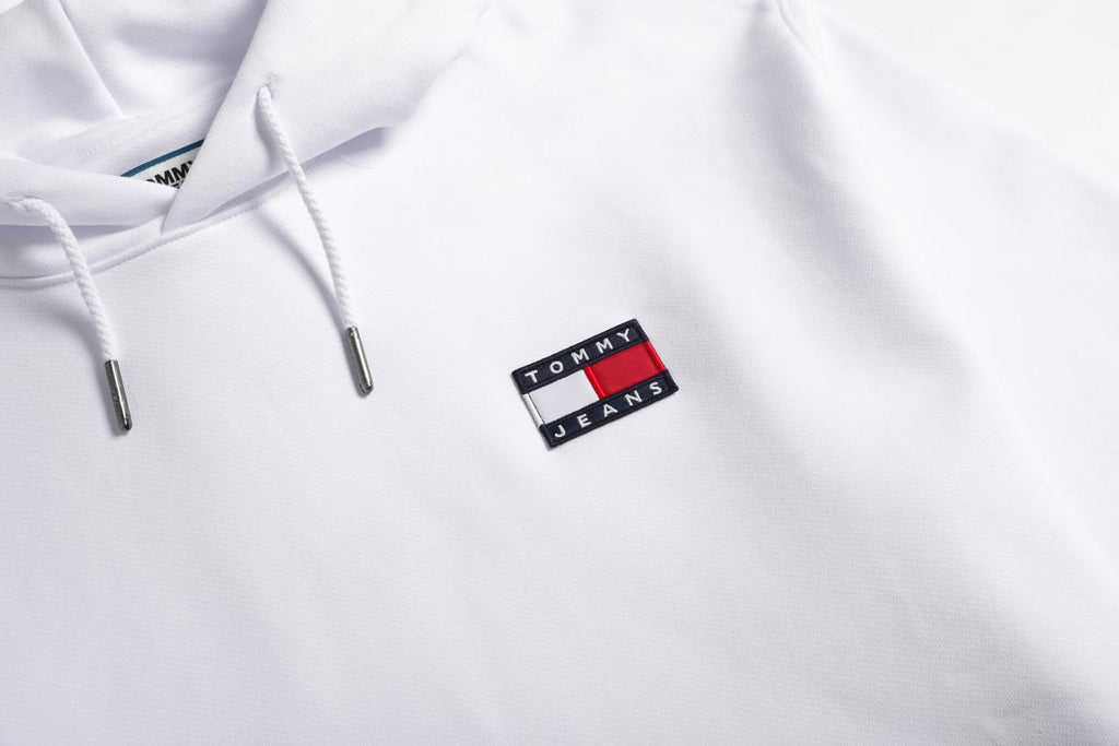 Tommy Jeans Flag Badge White Hoodie DM0DM06593