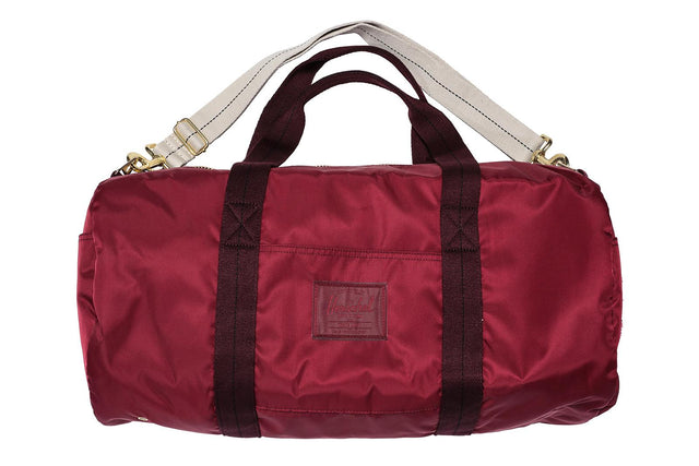 Herschel Supply Sutton Mid-Volume Duffle Windsor Wine 10279-02027