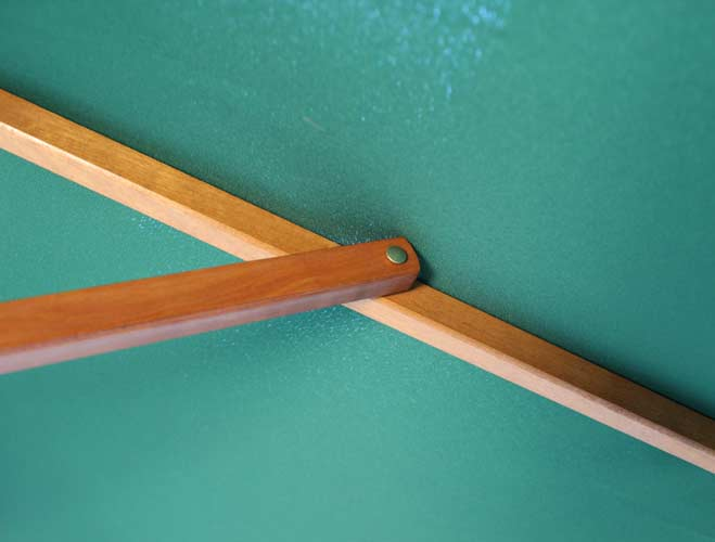 Brackenstyle Parasol Wood Pulley 2.5m Green