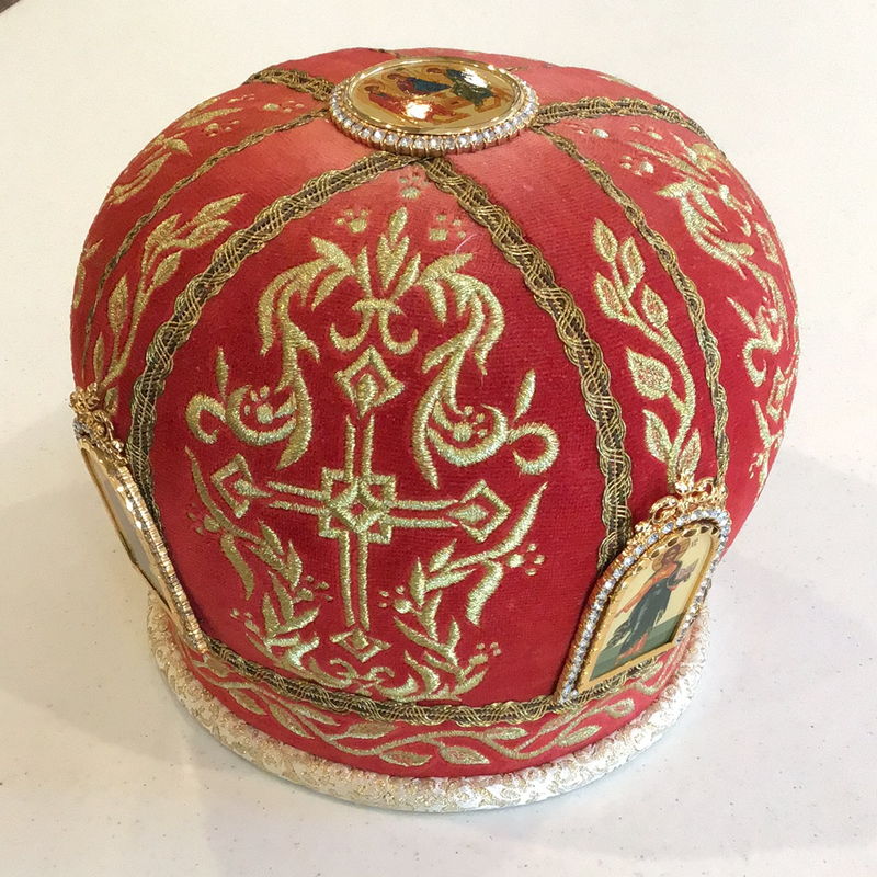 Red Priest's Mitre