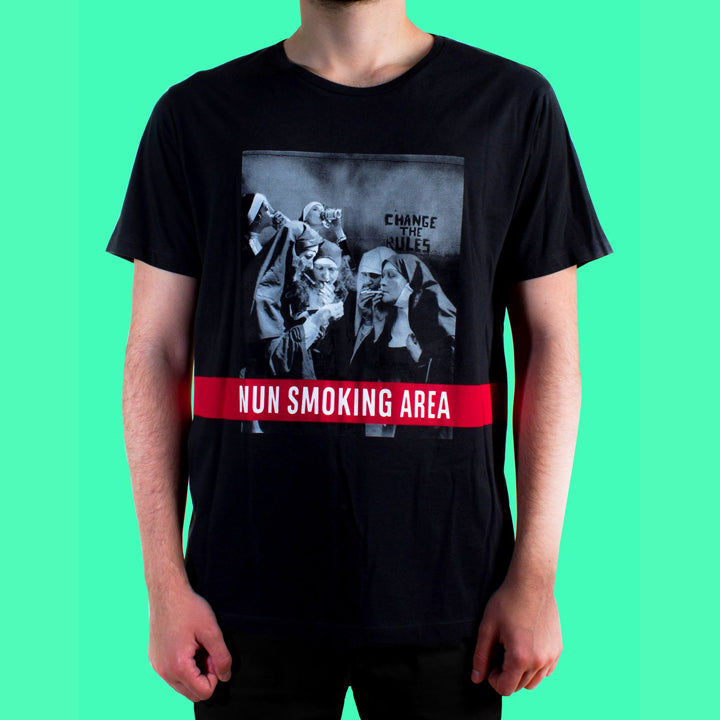 Nun Smoking Area Siyah Tshirt