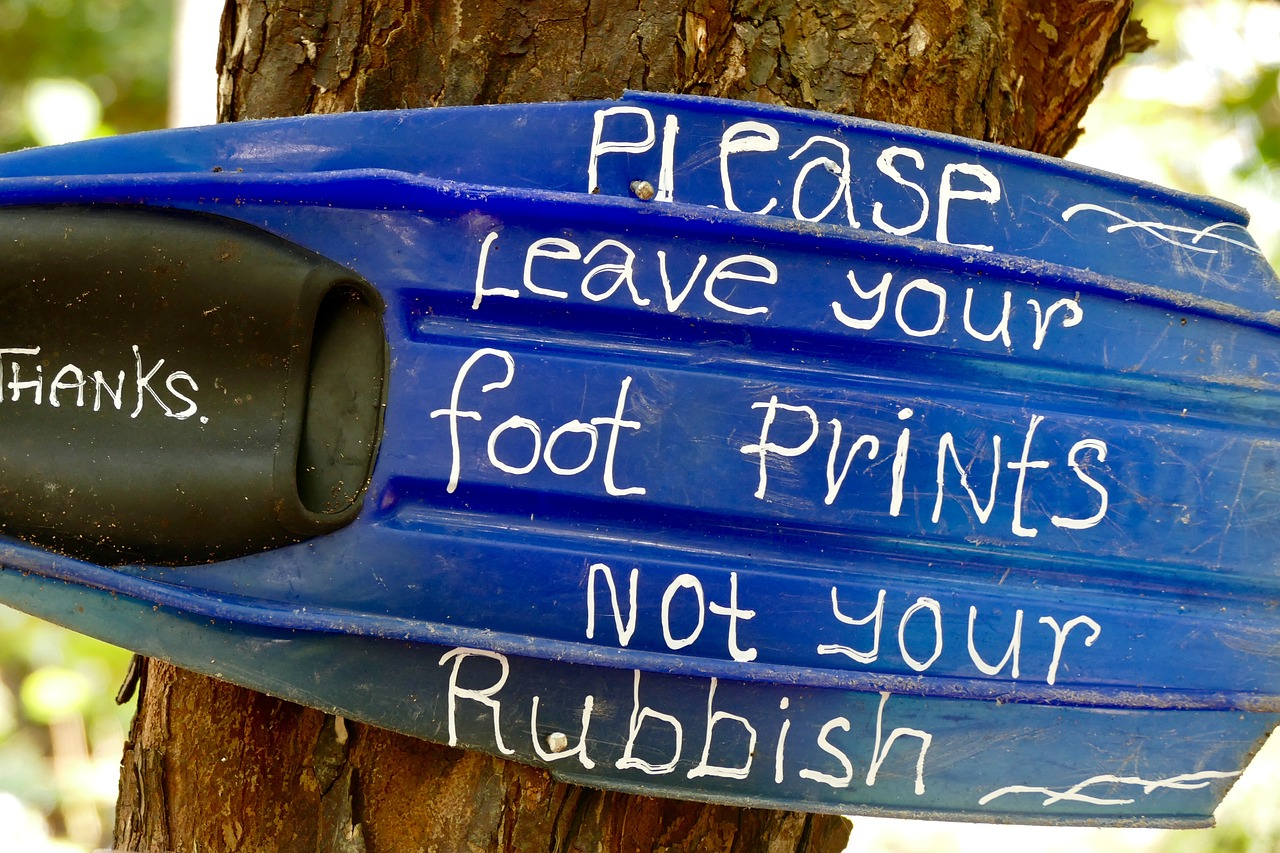 Leave footprint not rubbish