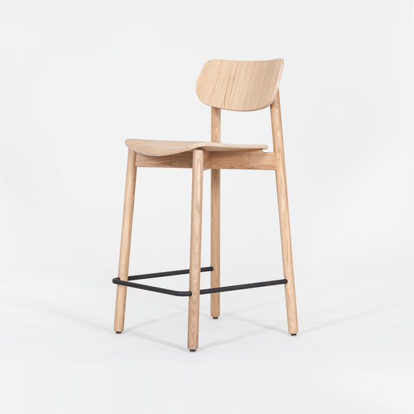 Stylish yet practical stool Perfect for the office kitchen area or breakout spaces.