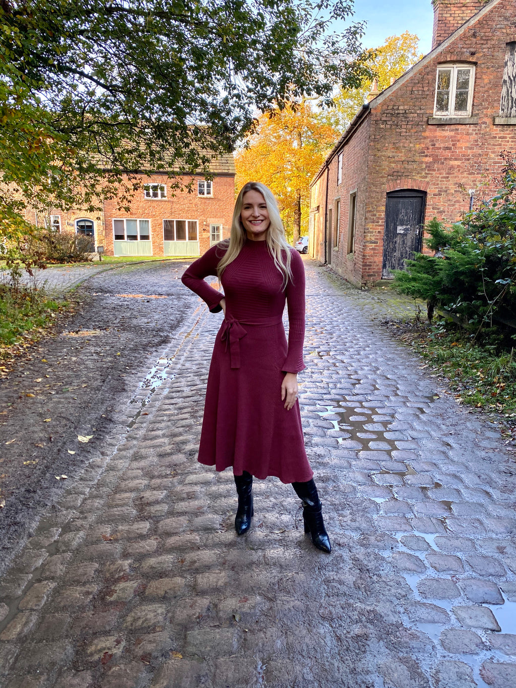 MARAIS KNITTED FLARE MIDI DRESS - BURGUNDY