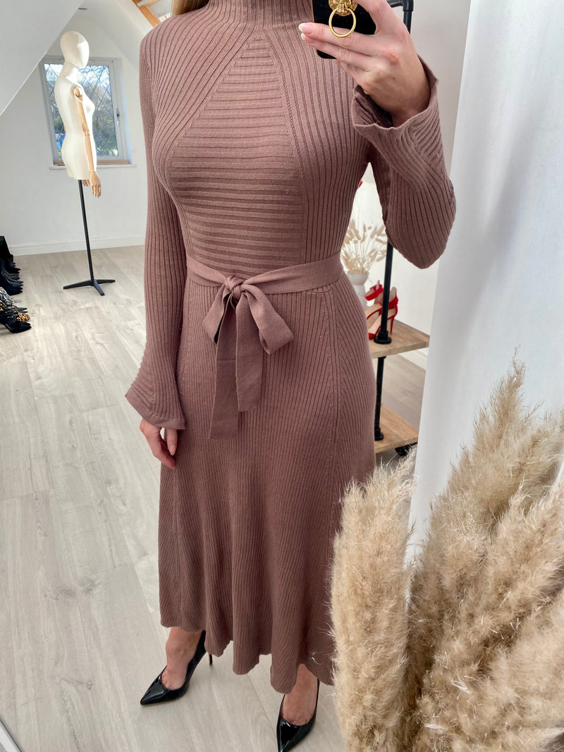 MARAIS KNITTED FLARE MIDI DRESS - MOCHA