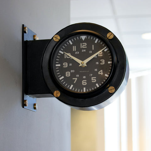 Airport Wall Clock Pendulux