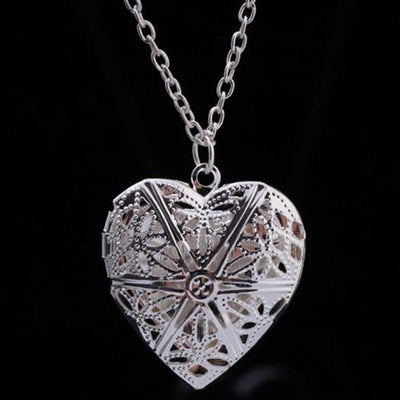 "GTX Silber ""Hollow-Heart"" Necklace"