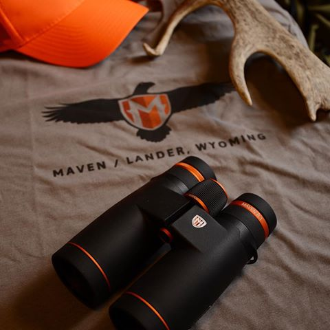 The B.1 are your go to all rounder binocular  - 42mm Objective  - Hunting  - Bird watching  - Scratch and oil resistant coated lenses  Schmidt-Pechan roof prism with dielectric coatins to improve brightness and image quality  - Magnesium alloy chassis  -