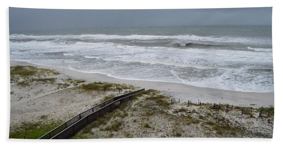 Hurricane Sally - Bath Towel