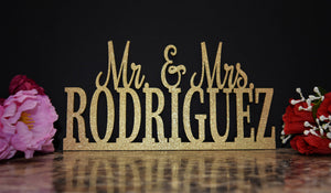 Wedding Name Sign - Mr and Mrs Sign - Custom Name sign - Mr & Mrs Wood Name - Personalized Last Name Sign - Cake Table Sign Centerpiece Name