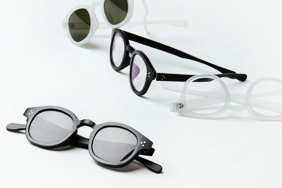 The Roeper frame style is democratically designed to fit a variety of face shapes and sizes. Available in colors crystal fog or classic black and in optical or sun.