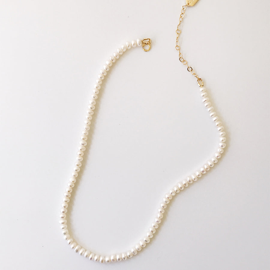 LESIS | Classic Pearl Necklace