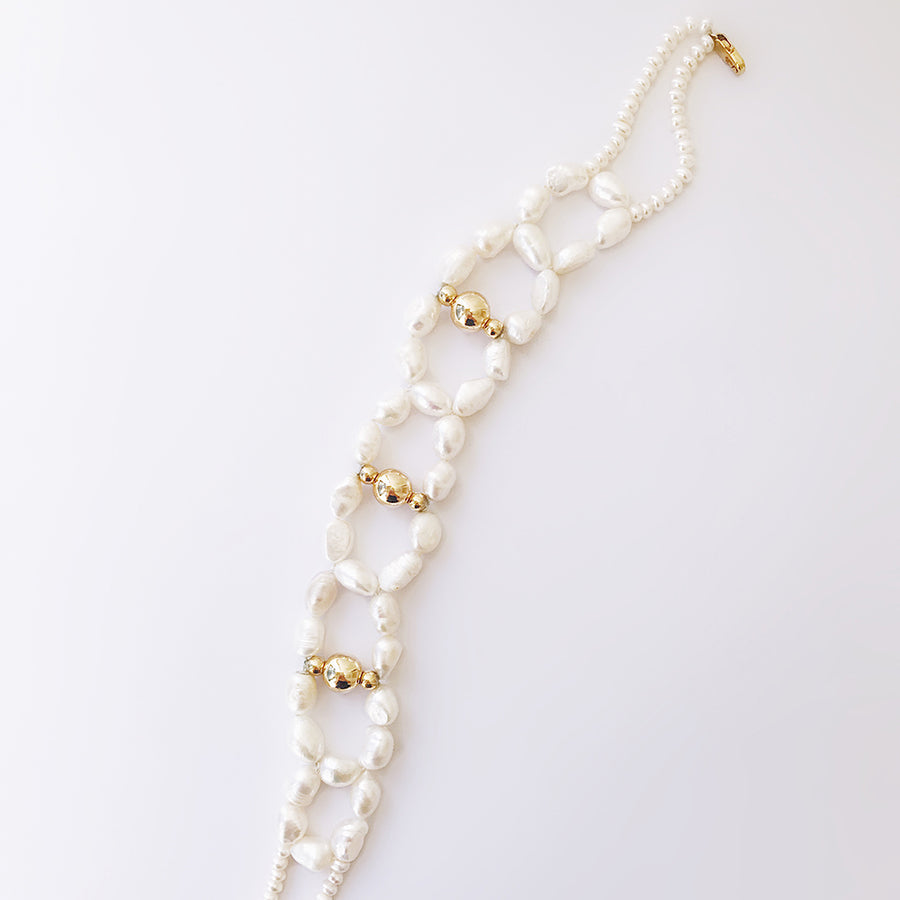 LESIS | High Classic White Peal Chocker