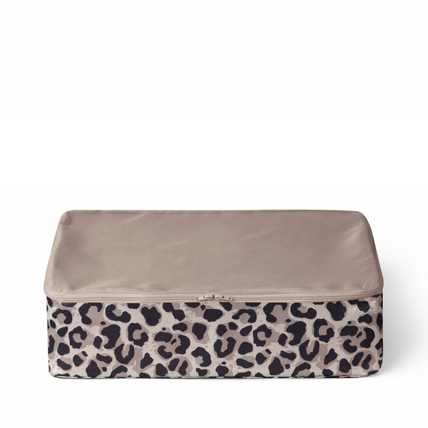 packing cubes in leopard