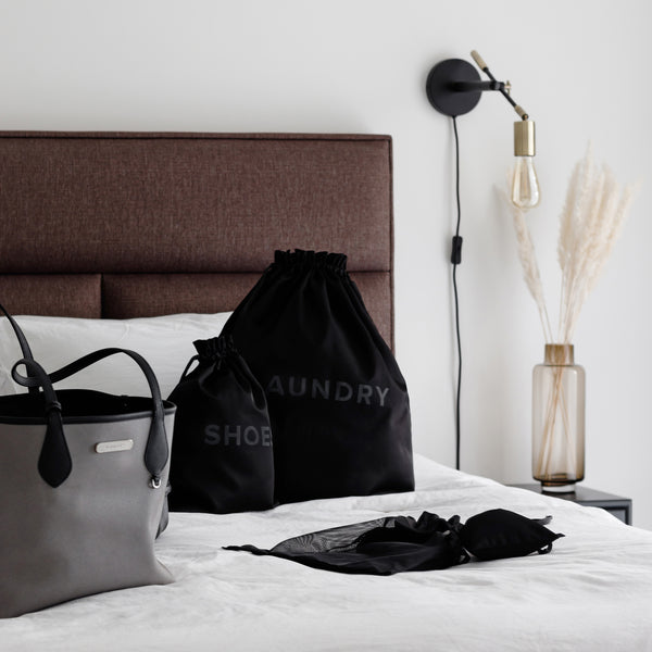 black laundry bag for travel