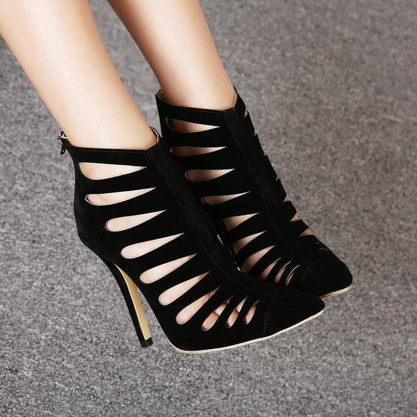 Socialite Favorites Hollow Out Pointed Black Sandals