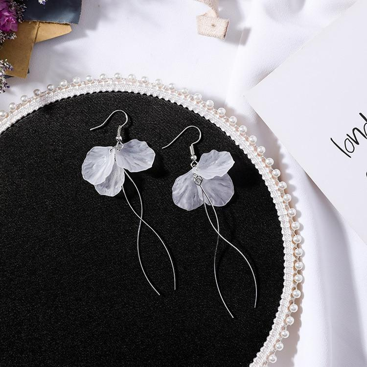 Jewelry - Elegant Shell Petals Earrings