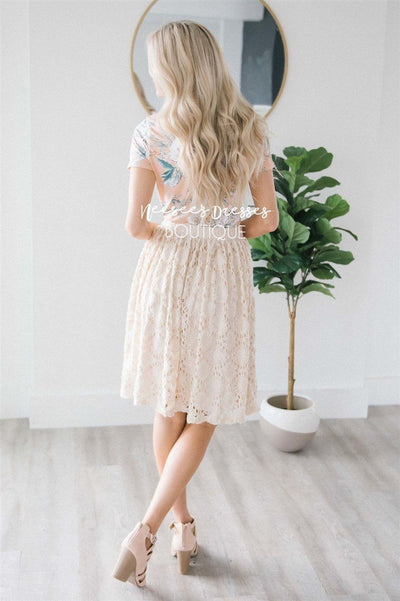 Stunning Cream Lace Skirt Skirts vendor-unknown