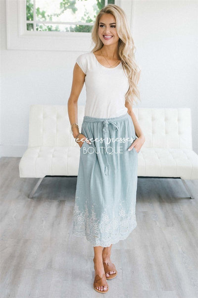 Embroidered Scallop Trim Tie Waist Skirt