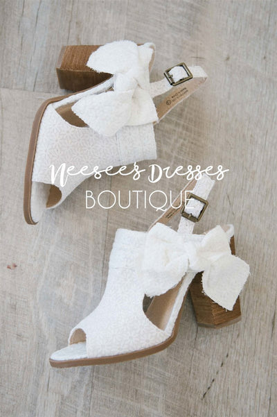 Haida White Lace Bow Sandals Accessories & Shoes vendor-unknown