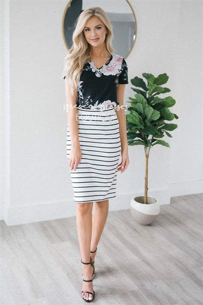 Perfect Fit Black & White Skirt Skirts vendor-unknown Black XS