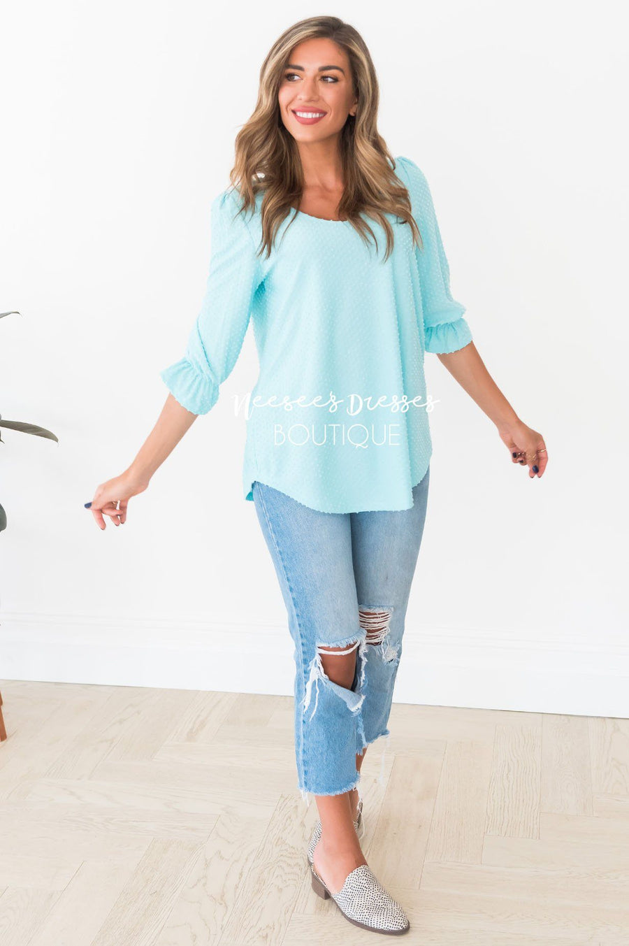 Catch The Breeze Modest Top