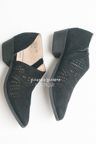 The Anouk Eyelet Booties Accessories & Shoes vendor-unknown Black 6