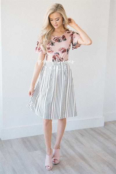 Cream & Charcoal Stripe Pleated Skirt Skirts vendor-unknown