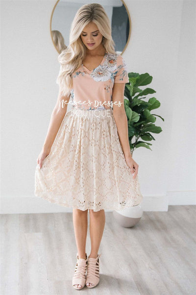 Stunning Cream Lace Skirt Skirts vendor-unknown Cream XS
