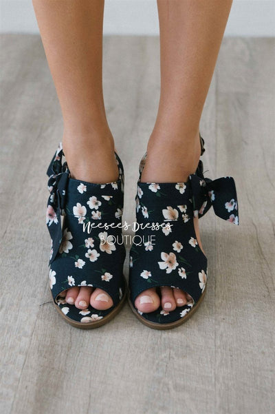 Haida Navy Floral Bow Sandals Accessories & Shoes vendor-unknown Navy Floral 5.5