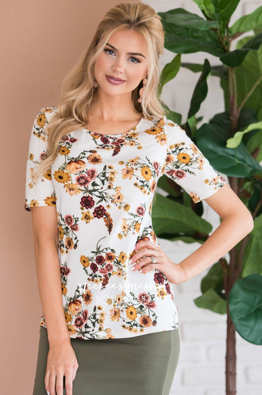 Floral Scoop Neck Tee