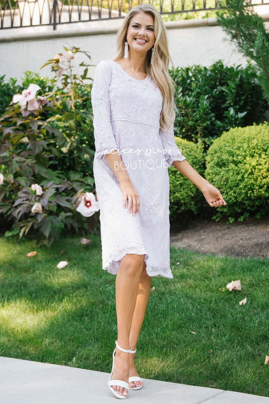 Day Dreamer Lace Dress in Lavender