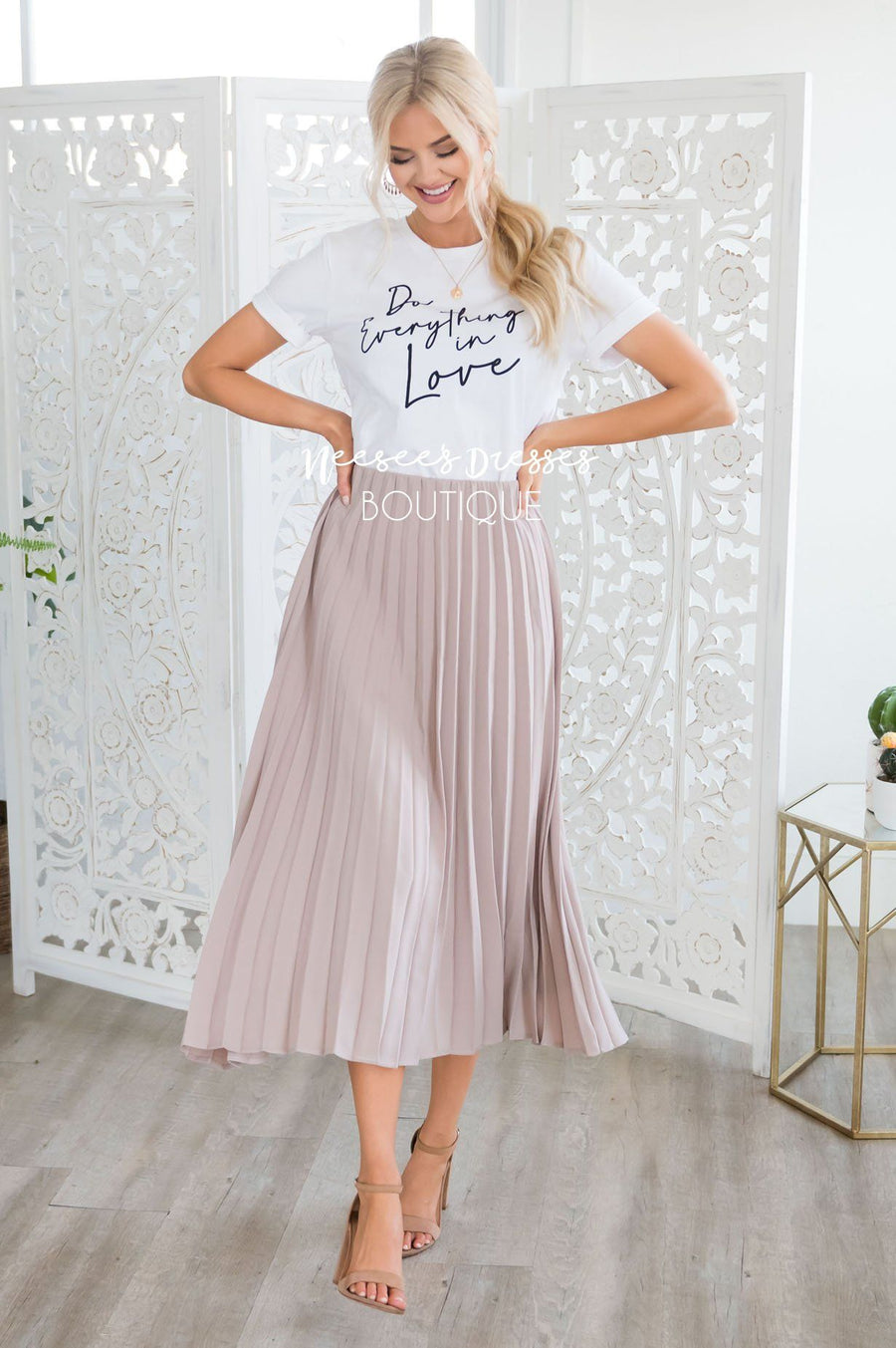 Hello Gorgeous Pleat Skirt