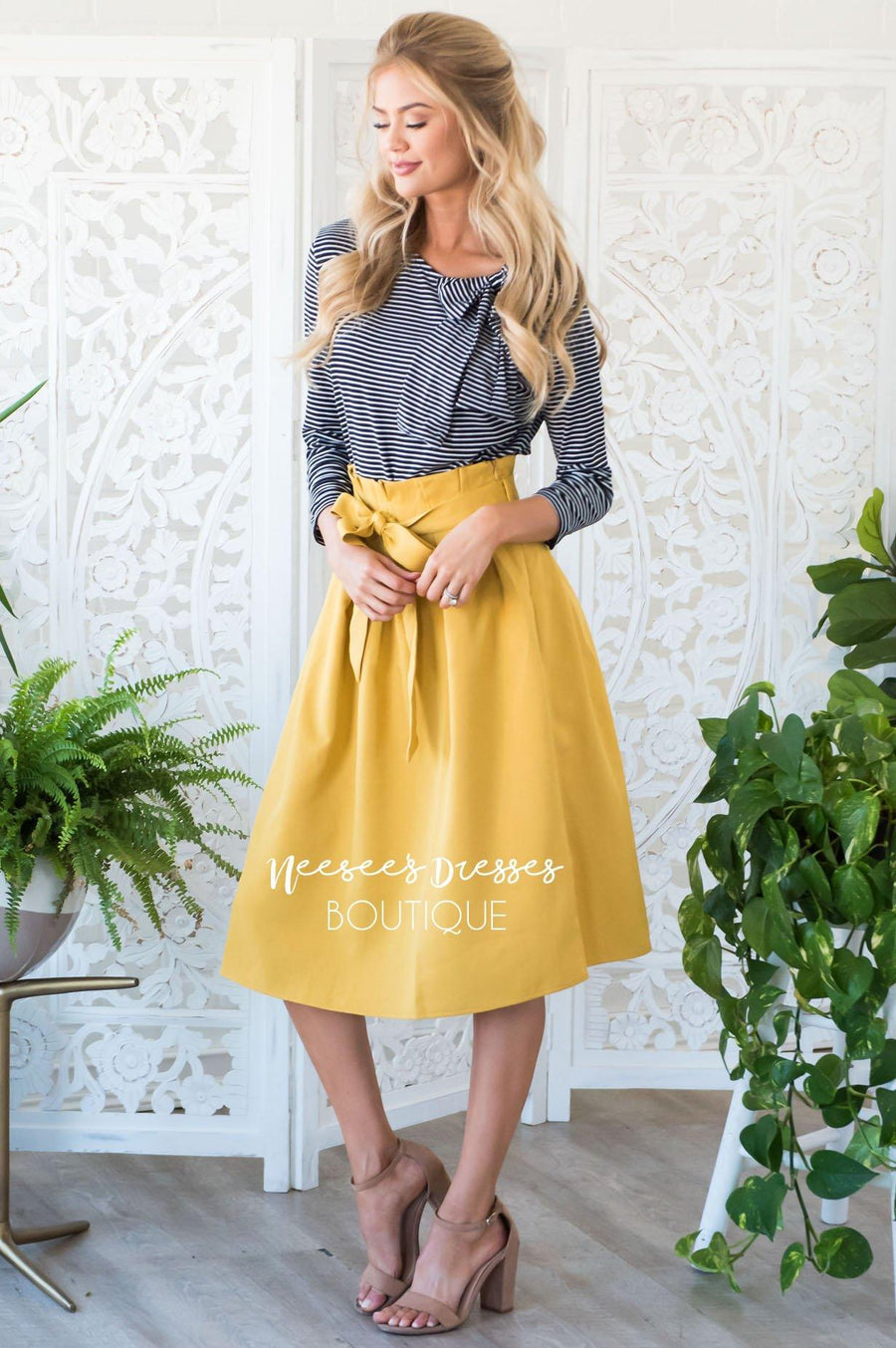 Pretty Ruffle Tie Waist Skirt