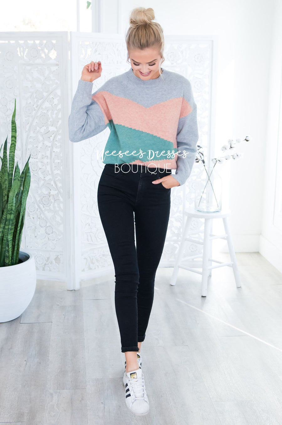 Retros Back Geometric Block Sweater