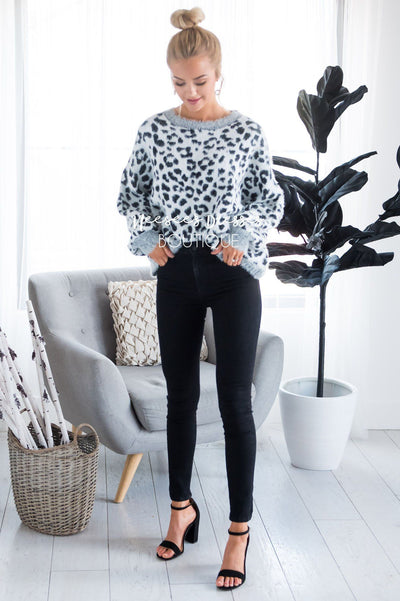 Snowy Leopard animal print sweater Tops vendor-unknown