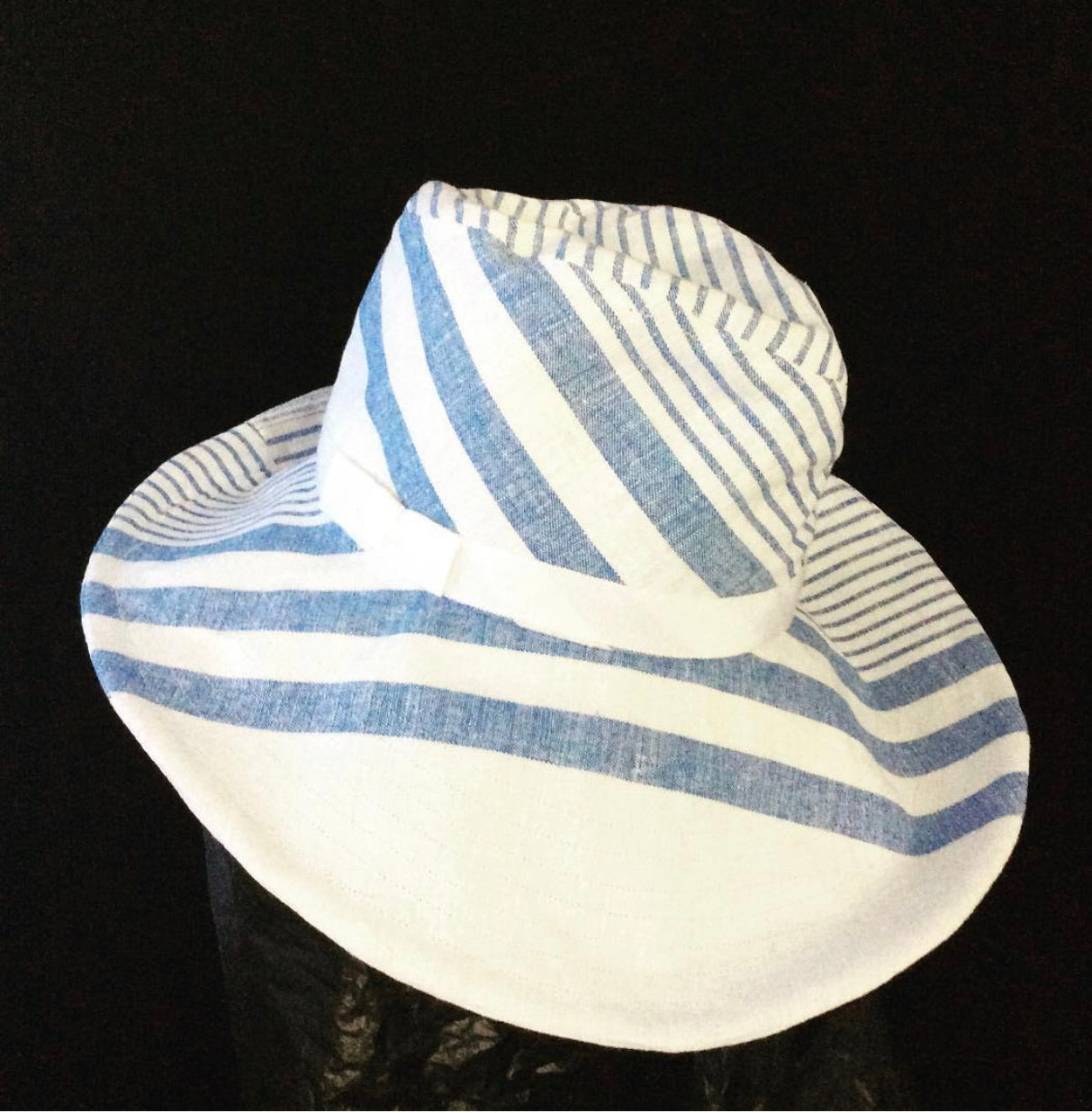 Safari Linen Wide Brim Blue/White - 22 3/4