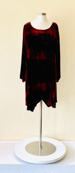 Load image into Gallery viewer, Krista Larson Crimson Shibori TD Kite Shirt