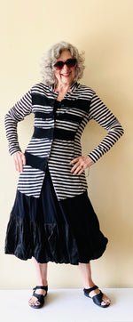 Load image into Gallery viewer, Rundholz Black and Oat Stripe Sweater