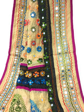 Load image into Gallery viewer, phulkari dupatta with mirror work