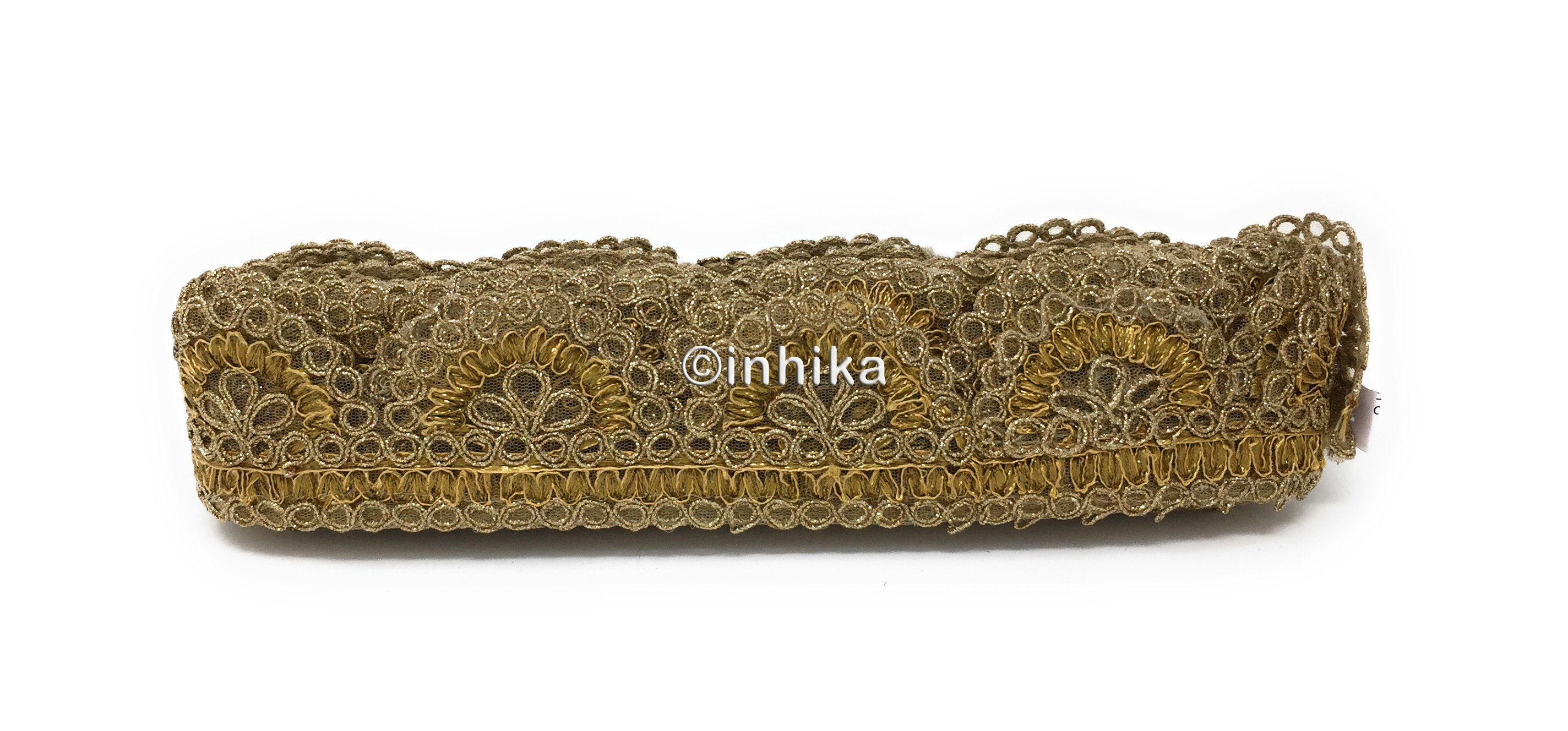 Lace n borders in pankha scallop design