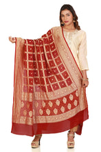 Load image into Gallery viewer, pure banarasi bandhani dupatta