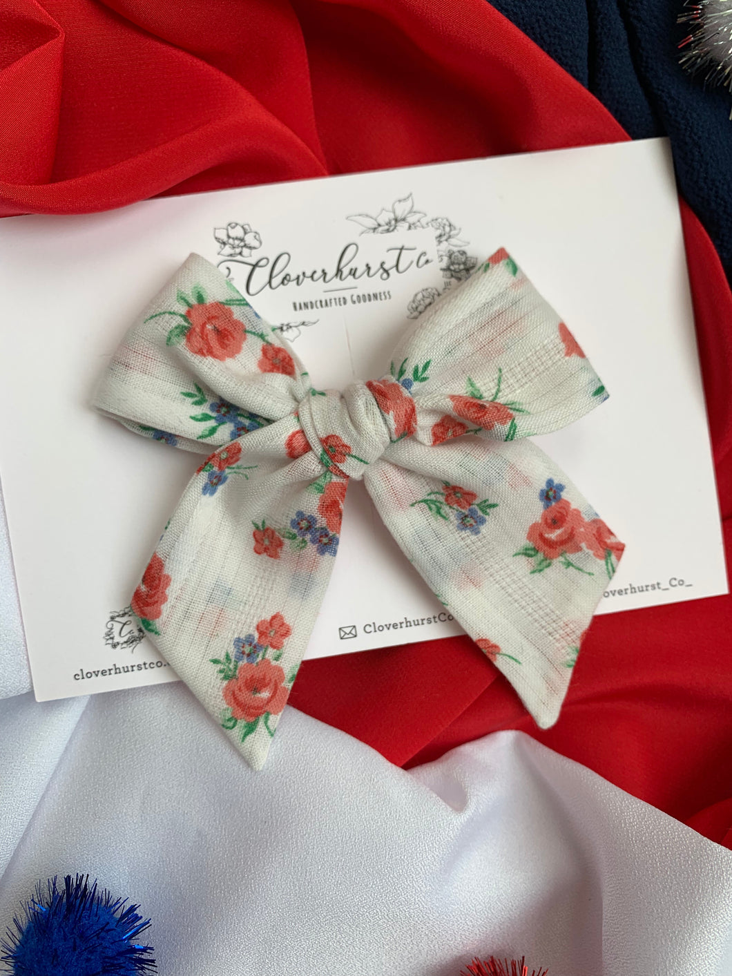 Magnolia Bow - American Beauty Dimity on CLIP