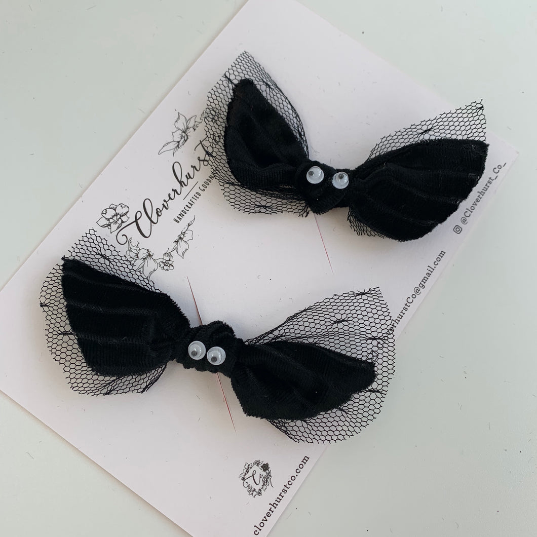 Knotty Bats!  - Black Velvet Stripe Knot Bows