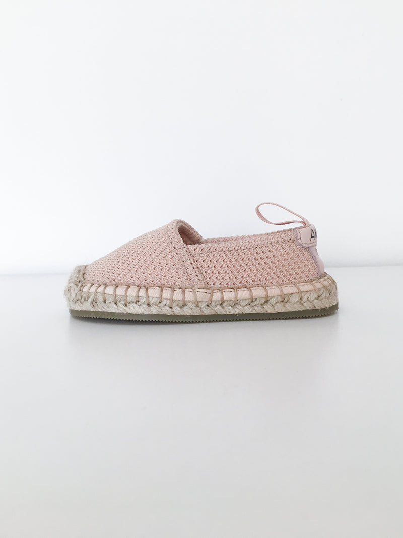 Akid Shoes US 5 / New in Pouch Re-Cycle Light Pink Crochet Shoes