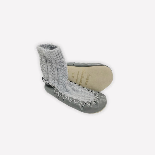 Hanna Andersson Slippers US 4 / Like New Re-Cycle Solid Grey Slippers