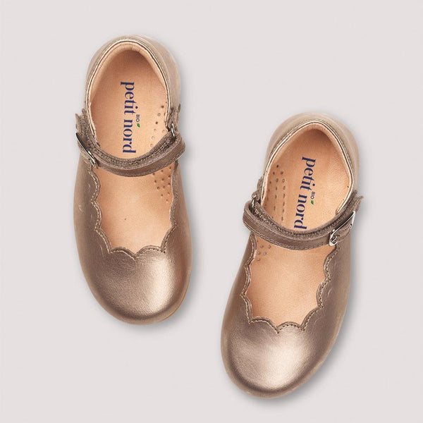 Petit Nord Shoes Scallop Mary Jane Shoes - Champagne